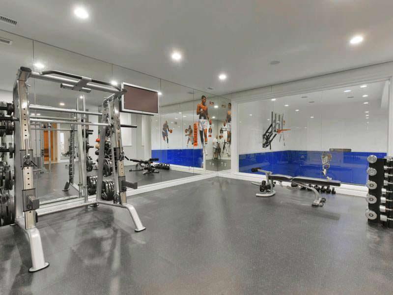 Оборудованный спортзал дома у Мэри Джей Блайдж