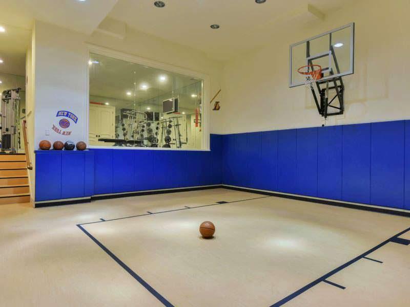 Баскетбольная площадка в доме Мэри Джей Блайдж