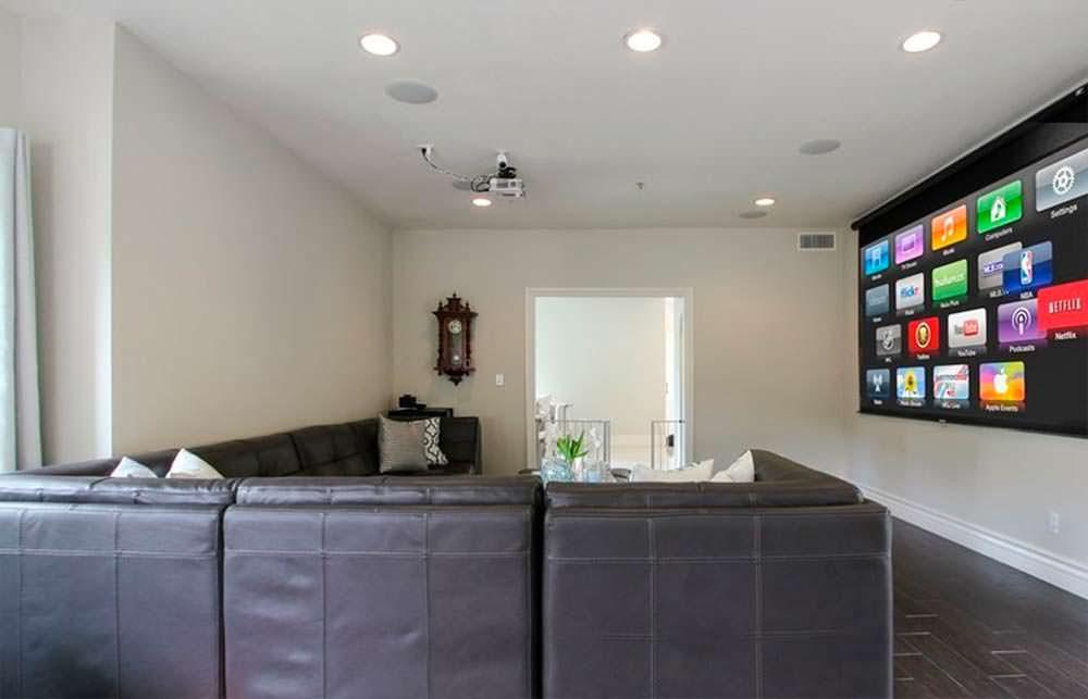 Комната для просмотра телевизора