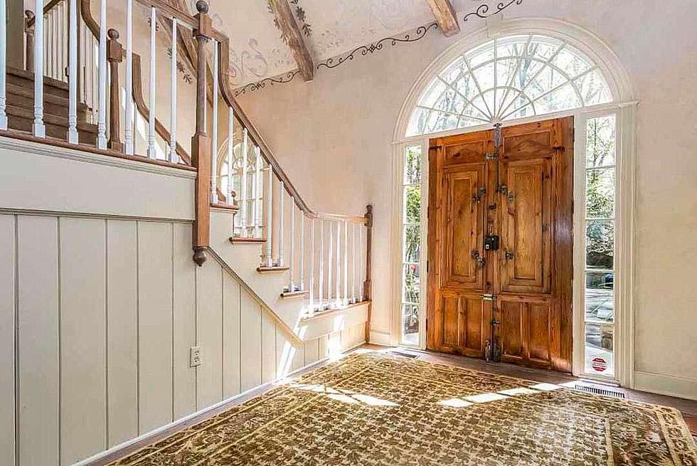 Французские двери в дизайне интерьера