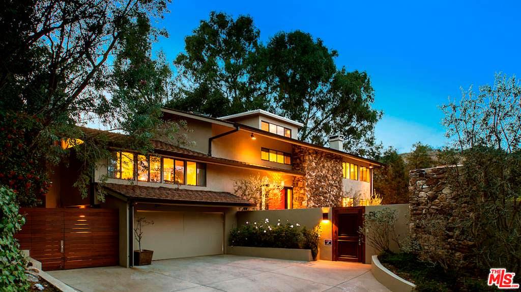 Дом с гаражом и бассейном в Студио Сити за $25 000 в месяц