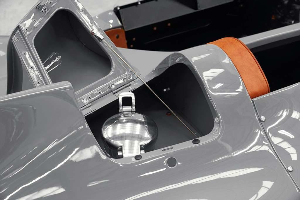 Горловина топливного бака Jaguar D-Type