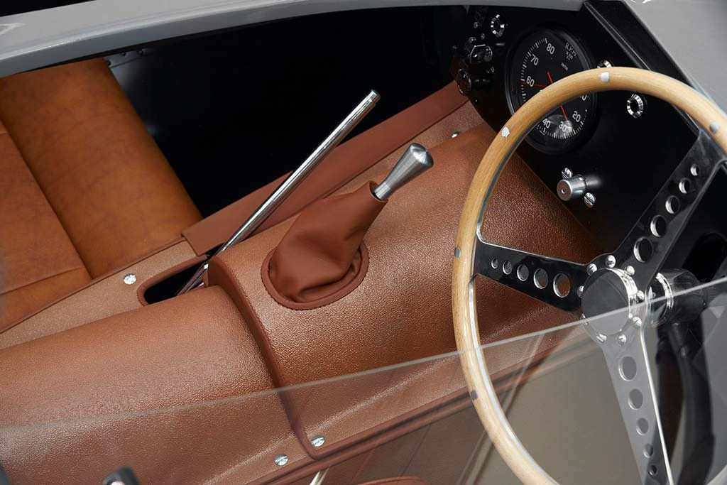 Кожаный салон Jaguar D-Type