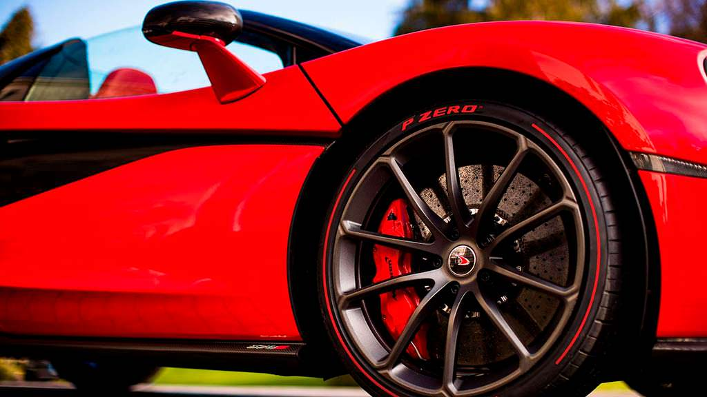 Красные тормозные суппорты McLaren 570S Spider