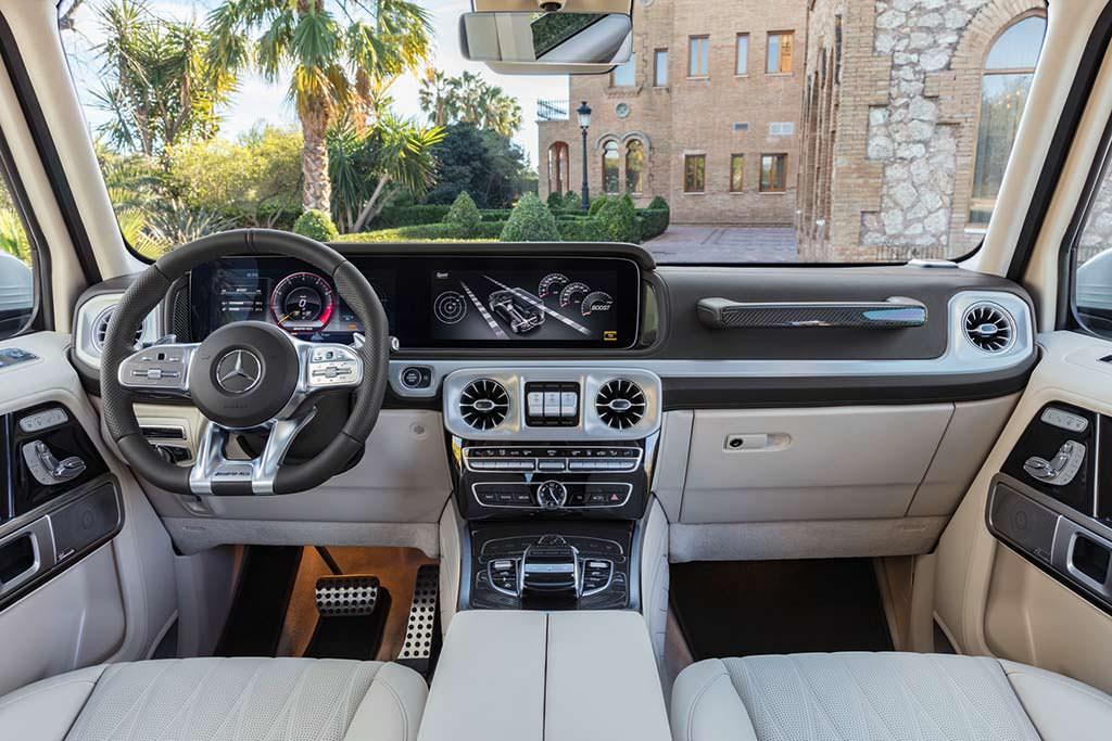 Фото салона Mercedes-AMG G63 нового поколения