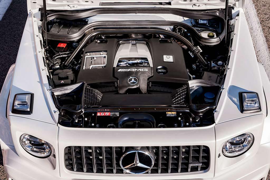 Двигатель 4,0-литра V8 под капотом Mercedes-AMG G63
