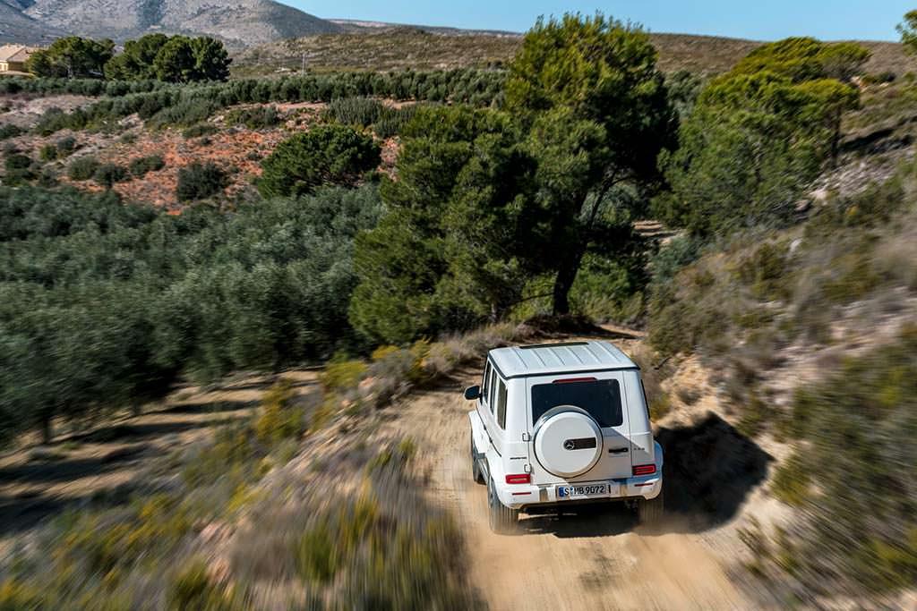 Новый Mercedes-AMG G63 на бездорожье