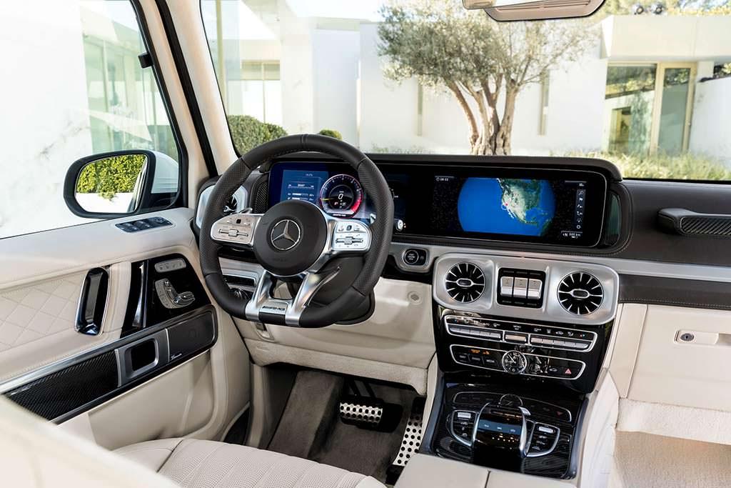 Новый 2019 Mercedes-AMG G63 внутри