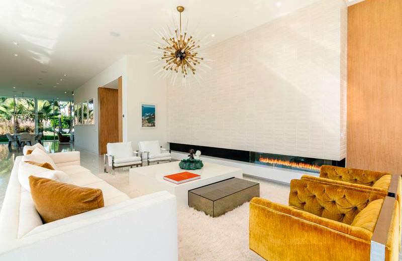 Современный камин в дизайне интерьера