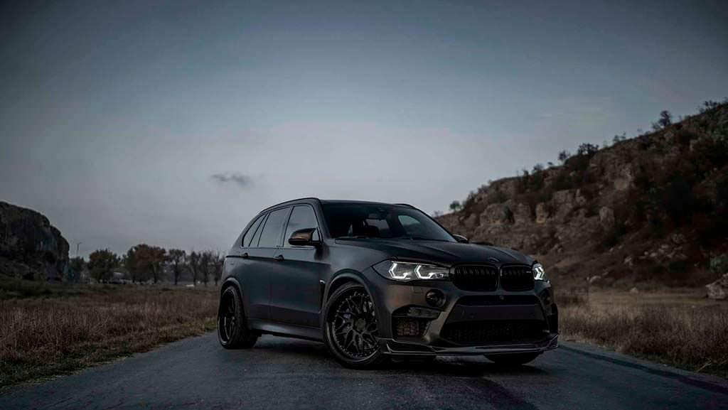 Чёрная BMW X5 M Тюнинг Z-Performance