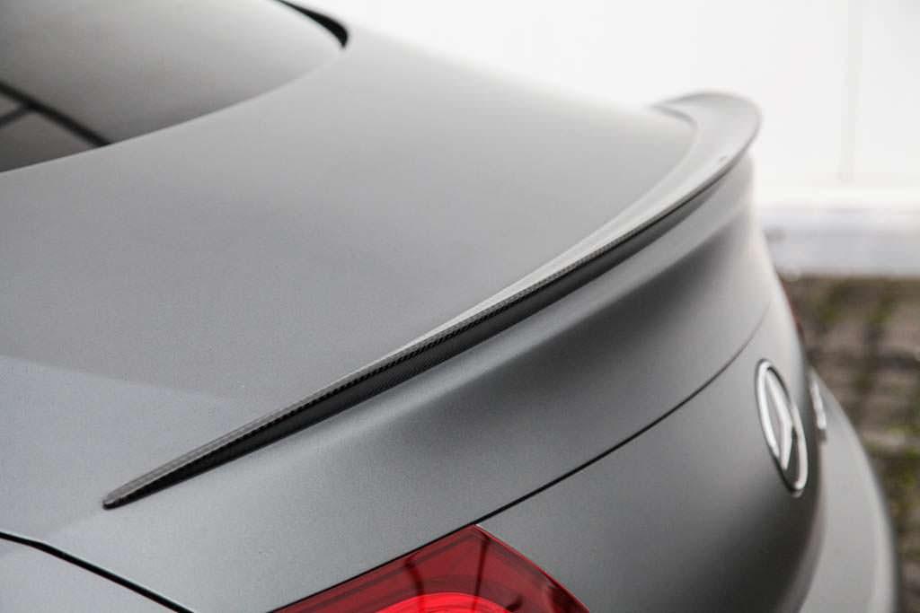Карбоновый спойлер на кромке багажника Mercedes-AMG C63 от Vath