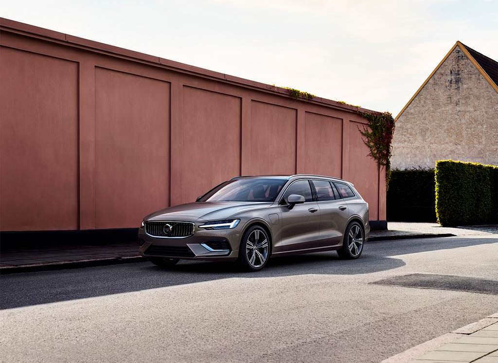 Среднеразмерный универсал Volvo V60 нового поколения