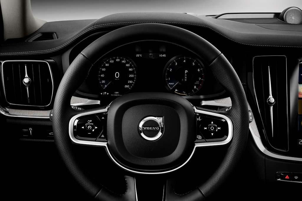 Кожаный руль Volvo V60