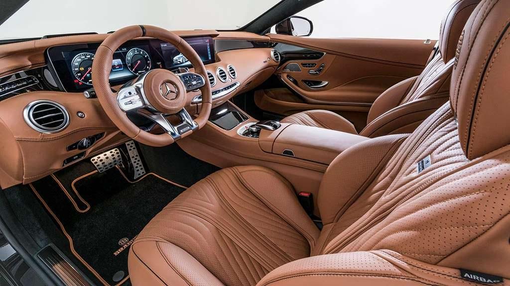Коричневая кожа в салоне Mercedes-AMG S63 Coupe от Brabus