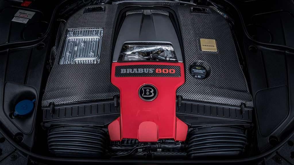 Двигатель V8 на 4,0-литра от Brabus. Мощность 789 л.с.