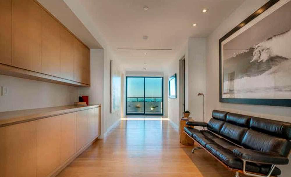 Фото дома в стиле модерн внутри