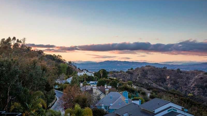 Современный дом в Беверли-Хиллз 90210