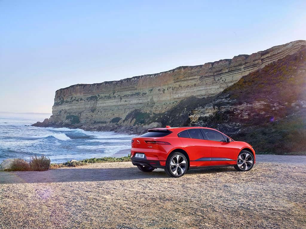 I-Pace - первый электромобиль Jaguar