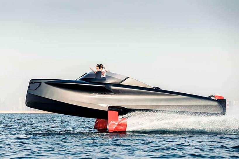 Катер на подводных крыльях Foiler TheFlying Yacht