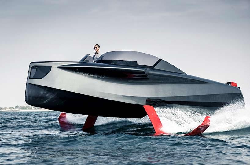 Катер на подводных крыльях Foiler. Скорость до 74 км/ч