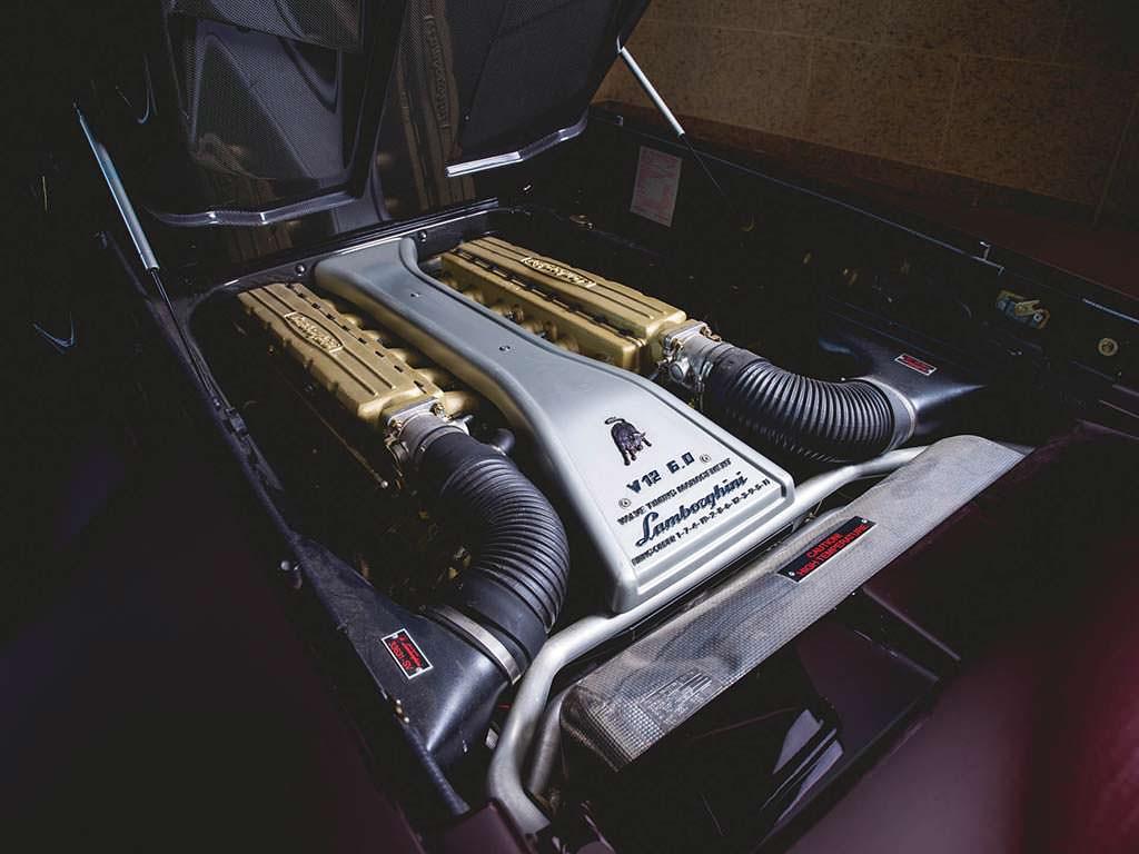 Двигатель V12 6.0 литра в Lamborghini Diablo VT 6.0 SE