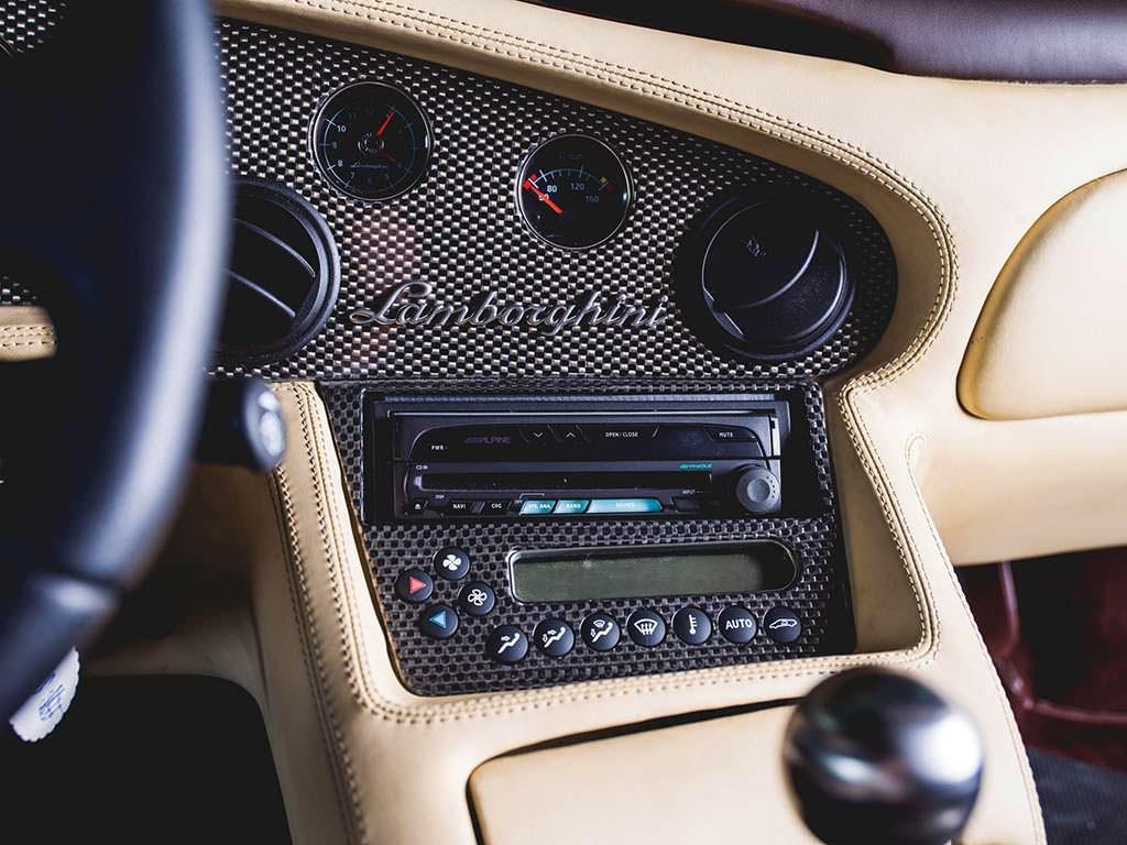 Магнитола DVD Lamborghini Diablo VT 6.0 SE 2001 года выпуска