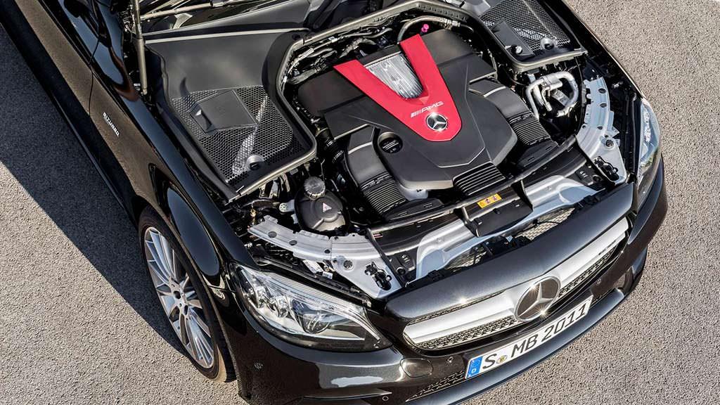 Двигатель V6 3,0-литра Mercedes-AMG C43. Мощность 385 л.с.
