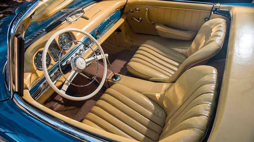 Кожаный светло-желтый салон Mercedes-Benz 300 SL Roadster
