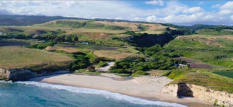 Бывший нудистский пляж в Санта-Круз. Цена $35 млн