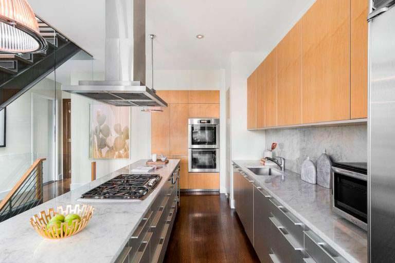 Натуральный мрамор на кухне
