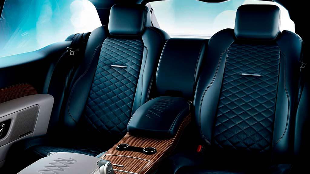 Четырехместный салон Range Rover SV Coupe
