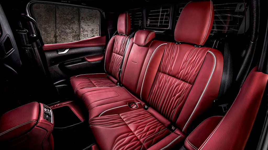 Красная кожа в салоне Mercedes-Benz X-Class Urban