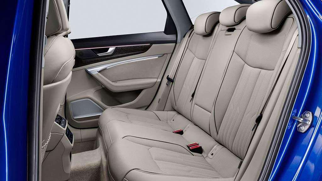 Фото внутри Audi A6 Avant