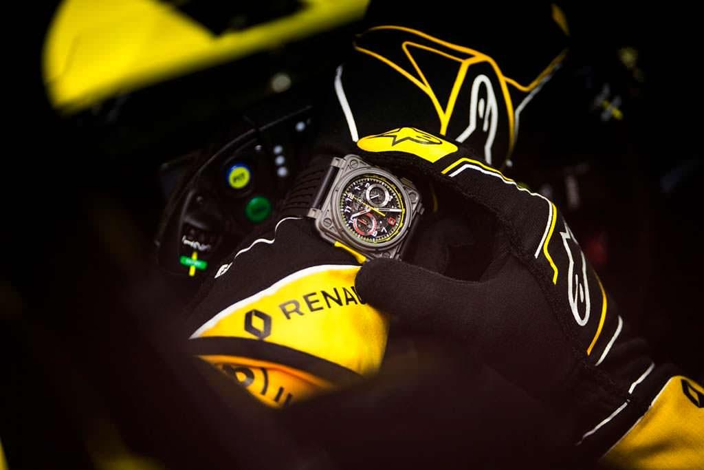 Эксклюзивные хронографы Bell & Ross RS18