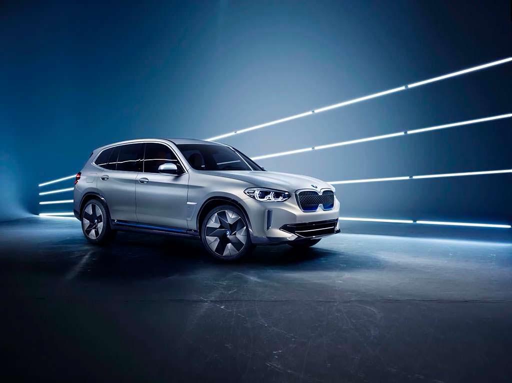 Электро-кроссовер BMW Concept iX3