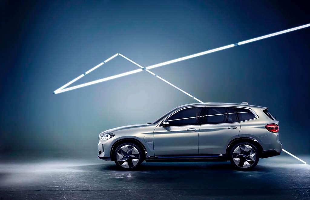 Новый BMW Concept iX3