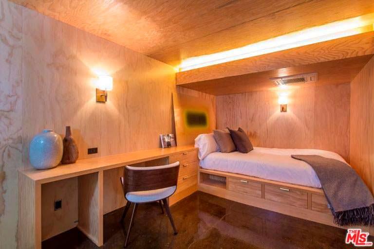 Гостевая спальня в доме Ди Каприо
