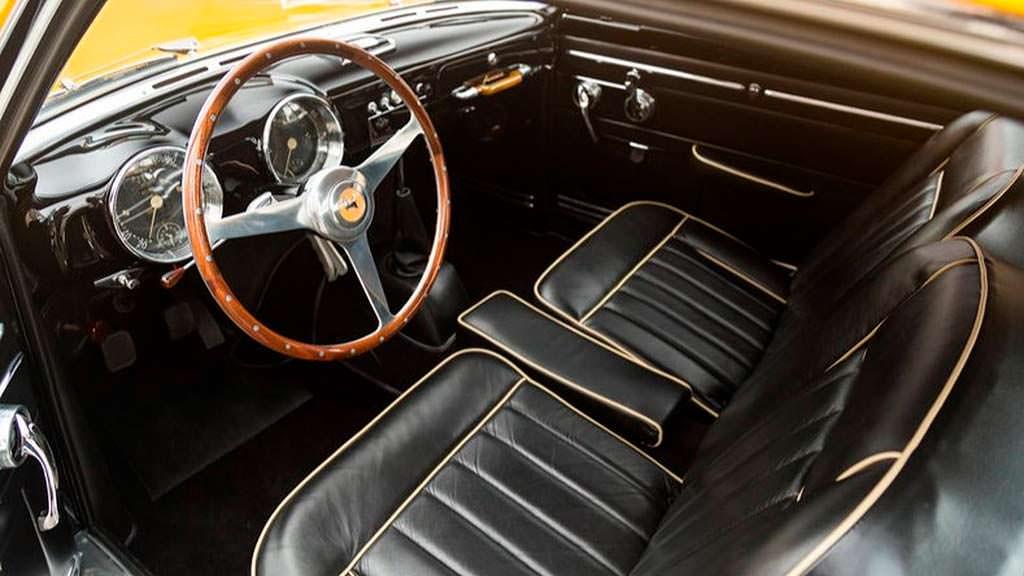 Фото внутри Ferrari 212 Inter 1952 года