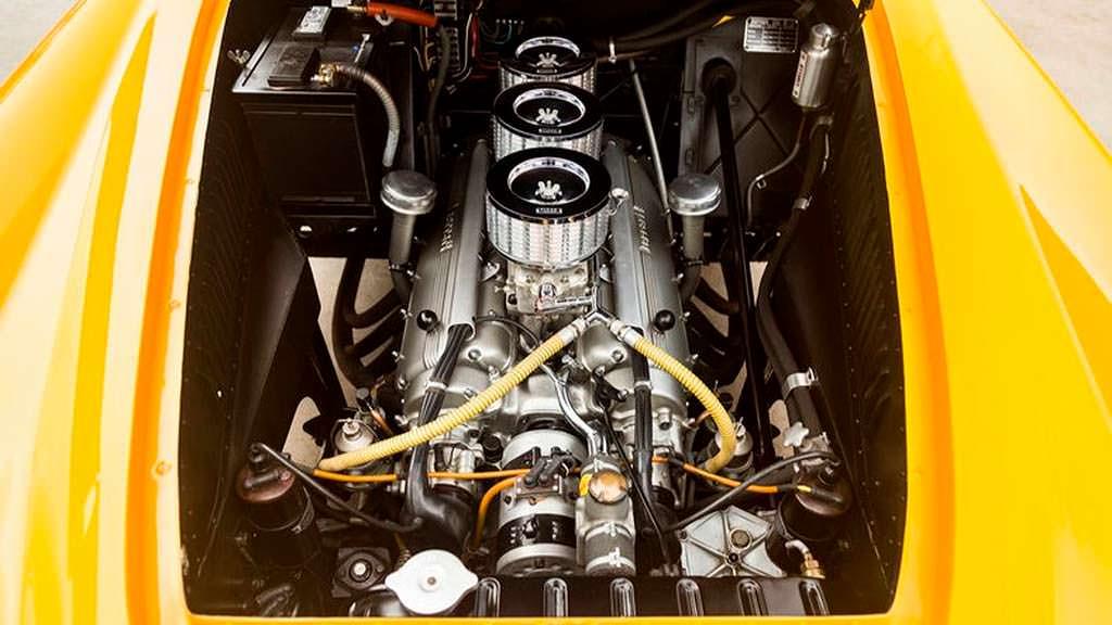 Двигатель V12 под капотом Ferrari 212 Inter 1952 года