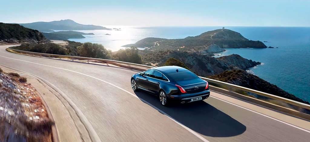 Юбилейный седан Jaguar XJ50 в честь 50-летия