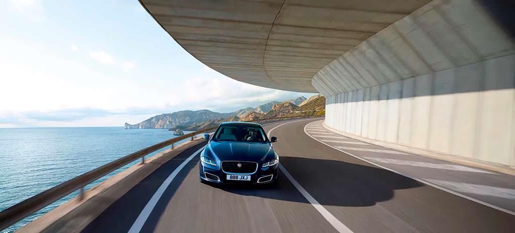 Jaguar XJ50 в честь 50-летия модели