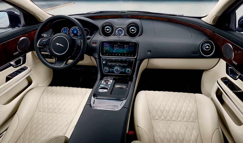 Фото салона Jaguar XJ50