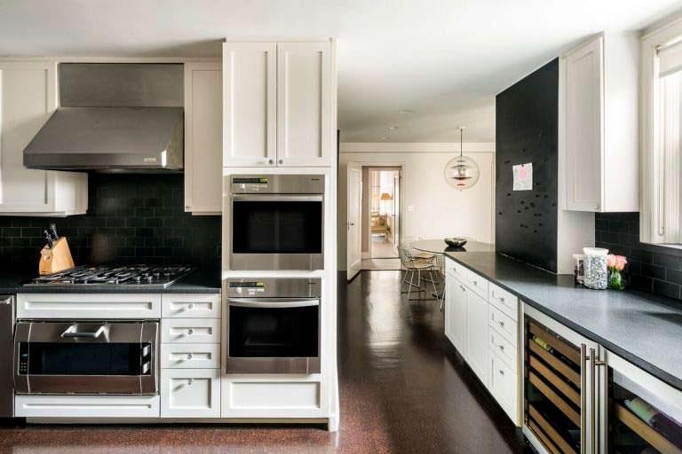 Две духовки на кухне