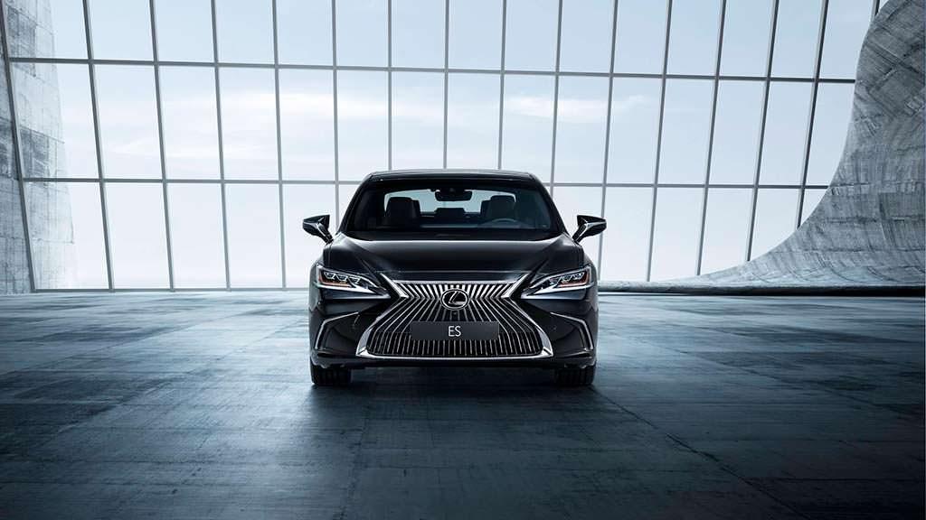 Премиальный седан Lexus ES нового поколения