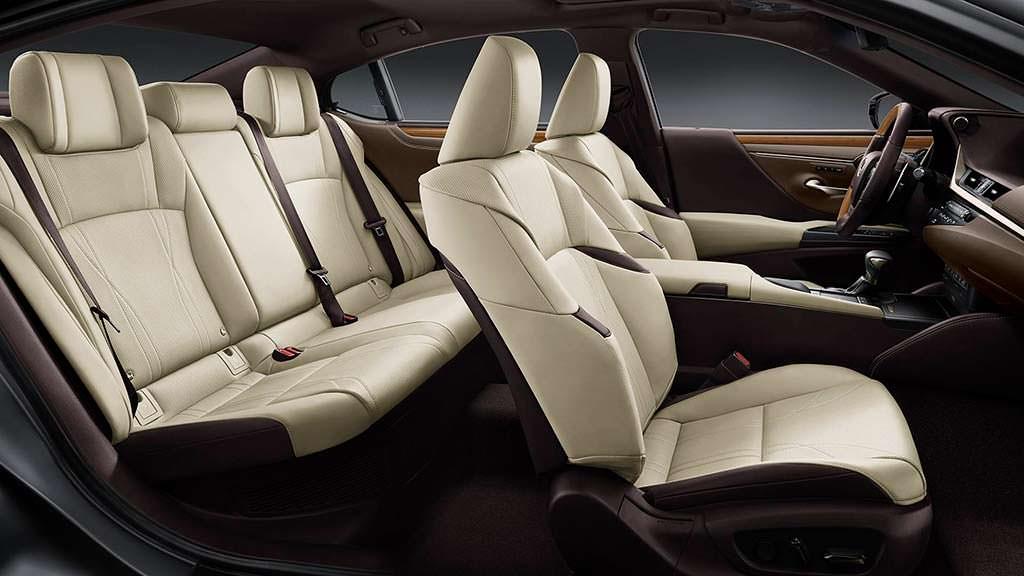Салон Lexus ES