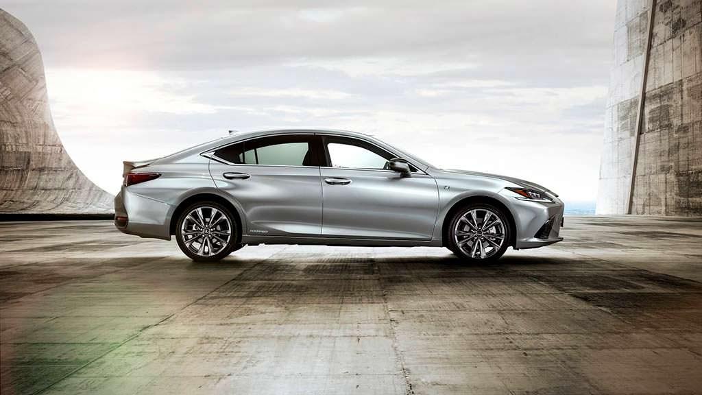 Новый Lexus ES F Sport