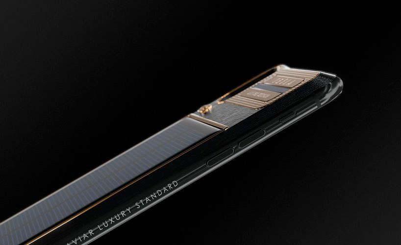 Apple iPhone X Tesla. Титан, золото и карбон