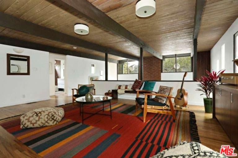 Потолочные балки в дизайне интерьера