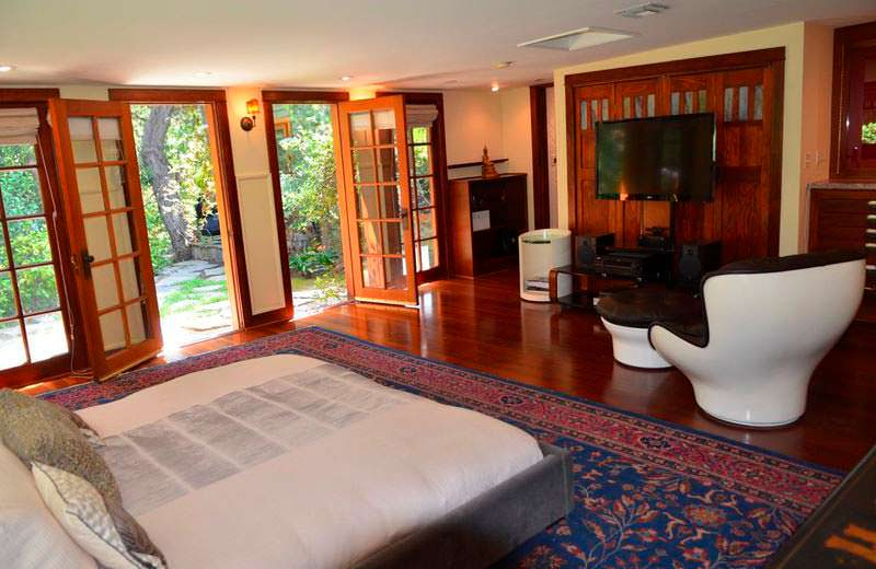 Одна из четырех спален в доме Люси Лью