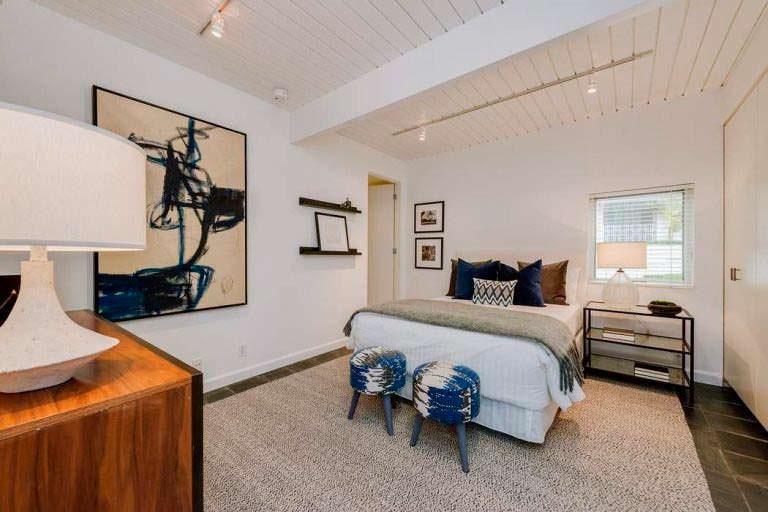Одна из 4 спален в доме